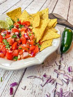 Lunch Recipes, Mexican Food Recipes, Healthy Recipes, Dip Recipes, Ethnic Recipes, Healthy Food, Spicy Salsa, Fresh Salsa, Vegetarian Snacks
