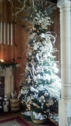 White and silver bird themed tree