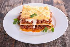 Aunque no sea un plato tradicional venezolano, se ha convertido en una costumbre que toda la familia se reúna para comer y preparar este plato italiano