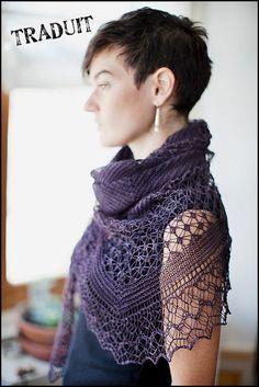 Un châle dentelle au tricot.