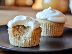 Banana Cupcakes with Cream Cheese Frosting « Baking Bites
