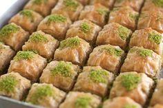 Πολίτικος μπακλαβάς με φιστίκι Αιγίνης - 4moms Sprouts, Mashed Potatoes, Sweets, Vegetables, Ethnic Recipes, Food, Google, Ideas, Food Food
