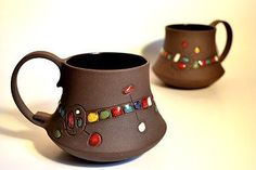 color on black clay.add white engobe before color dots Pottery Mugs, Ceramic Pottery, Ceramic Cups, Ceramic Art, Website Web, Website Ideas, Create Website, Stars Disney, Clay Cup