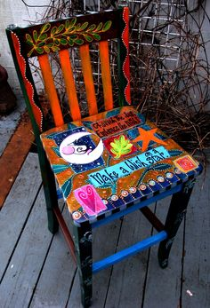 Laurie Miller Designs - Designed with Heart. Von Hand verzaubert: UpCycled Furniture Source by mar Whimsical Painted Furniture, Hand Painted Chairs, Art Deco Furniture, Hand Painted Furniture, Funky Furniture, Colorful Furniture, Repurposed Furniture, Furniture Projects, Furniture Stores