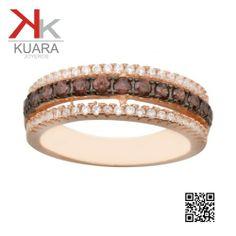 Sortija de plata chapada en rosa con piedras color fume.