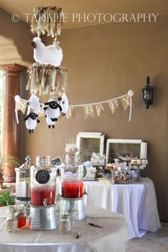 Baby shower. Lamb theme in particular, the little fences