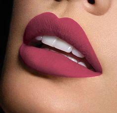 Ποιο #μακιγιάζ προτιμάτε για αυτή την εποχή; Για ραντεβού στο σπίτι σας στο τηλέφωνο  21 5505 0707! . . . #γυναικα #myhomebeaute  #ομορφιά #καλλυντικά #καλλυντικα #μακιγιαζ #κραγιόν #κραγιον #makeup #χειλη