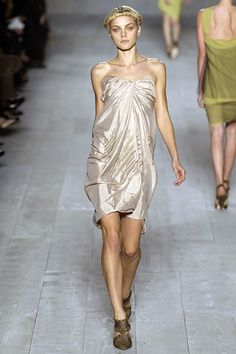 Christian Dior Spring 2007 Ready-to-Wear Fashion Show - Viviane Orth