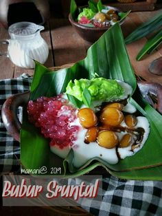 Indonesian Desserts, Indonesian Food, Thai Dessert, Food Presentation, Fresh Rolls, Deserts, Food And Drink, Cooking Recipes, Yummy Food