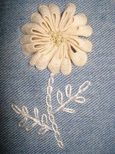Wonderful Ribbon Embroidery Flowers by Hand Ideas. Enchanting Ribbon Embroidery Flowers by Hand Ideas. Silk Ribbon Embroidery, Floral Embroidery, Cross Stitch Embroidery, Hand Embroidery, Embroidery Designs, Rick Rack Crafts, Rick Rack Flowers, Christmas Embroidery Patterns, Crazy Patchwork