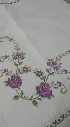 Kanaviçe örnekleri ve şablonları Cross-stitch samples and templates Cross-stitch samples and templates are the most beautiful and easily shared models. In this article you can find 50 cross-stitch sample templates. # Kanaviçeörnek of # Kanaviçeşablon of