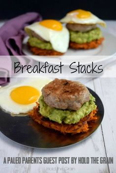 Imagine crispy sweet potato hash browns topped with mashed avocado, savory breakfast sausage and fried egg. A perfect allergen-friendly paleo breakfast! Whole 30 Breakfast, Savory Breakfast, Sausage Breakfast, Breakfast Recipes, Avocado Breakfast, Breakfast Ideas, Sweet Potato Hash Browns, Crispy Sweet Potato, Sweet Potato Toast