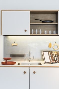 Groove the splashback and hang utensils from it. Fenix-NTM®️️ kitchen FENIX NTM®️️ Kitchen by FENIX NTM