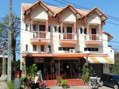 Koh Chang Pearl Beach Holiday Apartment Thailand, Asia Ideally located in the prime touristic area of White Sand Beach, Pearl Beach Holiday Apartment promises a relaxing and wonderful visit. The hotel offers a wide range of amenities and perks to ensure you have a great time. To be found at the hotel are free Wi-Fi in all rooms, Wi-Fi in public areas, car park, restaurant, laundry service. Each guestroom is elegantly furnished and equipped with handy amenities. The hotel offer...