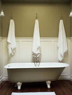 Gorgeous Custom Home Design with Vintage Interior : Charming Traditional Brownstone Bathroom Design Traditional BathTub