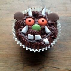 Easy to make Gruffalo cupcakes with step-by-step decorating guide. Childrens Cupcakes, Kid Cupcakes, Cupcake Cakes, Themed Cupcakes, Gruffalo Party, The Gruffalo, Gruffalo Activities, Birthday Activities, Buffet Halloween