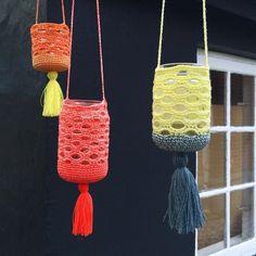 Crochet Home, Crochet Crafts, Hand Crochet, Crochet Projects, Knit Crochet, Crochet Bags, Crochet Jar Covers, Knitting Patterns, Crochet Patterns
