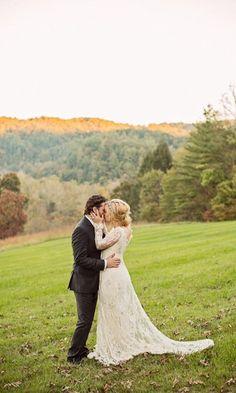 Kelly Clarkson and Brandon Blackstock wedding day! Beautiful <3