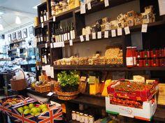 { En La Fromagerie aparte de queso venden otras delicatessen. Esta es la parte de verduras. } #queso #lafromagerie #londres