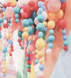 ♔♔♔ Balloon Bouquet, Balloon Arch, Balloon Garland, Balloon Decorations, Hanging Balloons, 30th Birthday, Birthday Parties, Balloon Installation, Balloon Arrangements