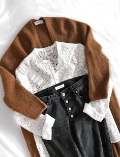herbst stil mode, mode, outfit inspiration herbst fallen Source by thelovelabelnl Mode Outfits, Fall Outfits, Casual Outfits, Fashion Outfits, Womens Fashion, Fashion Trends, Classy Outfits, Fashion Clothes, Dress Outfits