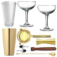 <strong>10 Piece Gold Cocktail Set Set With Cocktail Coupe Glasses in Presentation Box </strong>– All the tools for the job to make shake andstir your way to cocktail heaven. Ideal for cocktail novices and experts alike. This cocktail set is the perfect starting kitfor all cocktail lovers. This is a stylish and elegant addition to any bar or home and makes a fabulous gift for all keen mixologists.
