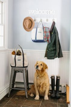 Fall entryway: http://www.stylemepretty.com/living/2015/10/01/easy-ways-to-cozy-up-your-home-for-fall/   Photography: Erin McGinn - http://www.erinmcginn.com/