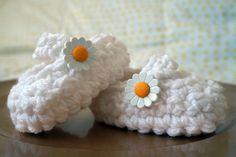 Dainty as a daisy :)    www.etsy.com/shop/knitnknots