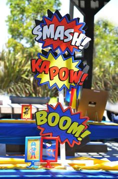 Superhero Birthday Party: Decorations and Games.lots of great ideas Superman Party, Superman Birthday, Avengers Birthday, Superhero Birthday Party, 1st Birthday Parties, Kid Parties, Birthday Ideas, Spider Man Party, Avenger Party