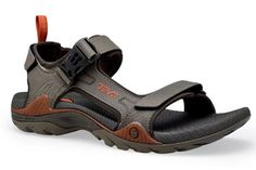Toachi 2 Sandals: A lighter take on Teva's classic open toed water sandals. Wrap Shoes, Modern Gentleman, Sport Sandals, Timberland, Designer Shoes, High Top Sneakers, Footwear, My Style, Bungee Cord