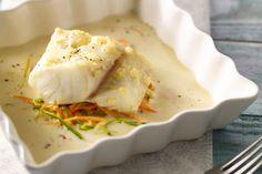 Een licht en verfijnd gerecht, deze ovenschotel met kabeljauw en julienne van prei en wortelen. Het heerlijke sausje met room maakt het helemaal af.