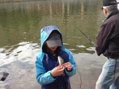 Fishing with worms on 12 June 2014 in Helsinki, a part of Helsinki Day. An urban fishing competition for families at Siltavuorenranta. Learn useful tips from experts. All the fish caught go to the otters at Helsinki Zoo. Registration begins by the Pitkänsilta bridge at 5.30 pm.