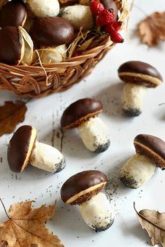 Juditka konyhája: ~ ÉDES VARGÁNYASÜTI ~ Mushroom Cake, Hungarian Desserts, Winter Food, No Bake Cake, Healthy Snacks, Cake Recipes, Biscuits, Stuffed Mushrooms, Food And Drink