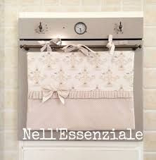 "Résultat de recherche d'images pour ""copritermosifone tutorial"" Radiator Cover, Home Kitchens, Kitchen Decor, Kitchen Ideas, Diy And Crafts, Projects To Try, Shabby Chic, Sewing, Fabric"