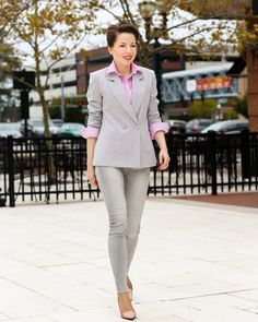 Grey is a subtle, super chic color and has many shades. It is a great option when you're tired of black, navy and white and look for something different without breaking the dress code. This double breasted blazer is indeed the definition of grey chic when it comes to low key days at work. I love the fact that it's slightly over-sized and the design adds some '90s flare to the whole look.  grey chic w/ @chicwish  - red reticule