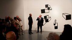 """Vernissage de l'exposition """"d'un infini à l'autre"""", B. Lemercier - 28.06.13 """"Hypercube"""", de couleur noire, symbolise l'infiniment grand."""