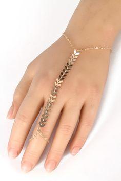 loving this unique bracelet