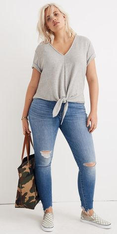 Cute Outfits For Plus Size Women. Graceful Plus Size Fashion Outfit Dresses for Everyday Ideas And Inspiration. Plus Size Refashion. Source by women fashion plus size Plus Size Tips, Look Plus Size, Plus Size Casual, Plus Size Summer Tops, Plus Size Fashion For Women Summer, Big Size Fashion, Plus Size Women's Tops, Curvy Plus Size, Curvy Outfits