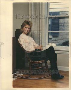 1988 Press Photo Nan Woods Actress China Beach Tv Show