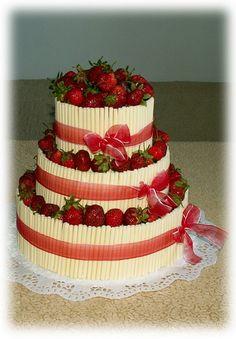 Výsledek obrázku pro svatební dort s bílou čokoládou