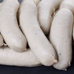 Here you can find the recipe for the Weisswurst, other sausage recipes and many more. Bratwurst Sausage, Sausages, Sausage Recipes, German Sausage, How To Make Sausage, Smoking Meat, Charcuterie, German Recipes, Marmalade
