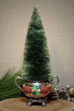 Christmas Crafts, Christmas Things, Christmas 2017, Christmas Ideas, Christmas Tree, Tree Decorations, Christmas Decorations, Green And Gold, Emerald Green