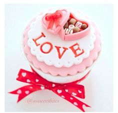 Perfect valentines cupcake topper
