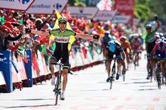 両手を広げてゴールするバウク・モレマ(オランダ、ベルキンプロサイクリング): photo:Kei Tsuji