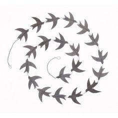 http://static.smallable.com/380302-thickbox/guirlande-oiseaux-gris.jpg