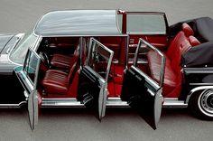 Mercedes-Benz 600 Pulmann Landulet (W100)