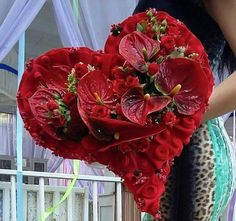 Designed by Ehab Merza Valentine Flower Arrangements, Creative Flower Arrangements, Funeral Flower Arrangements, Valentines Flowers, Funeral Flowers, Valentine Decorations, Bridal Flowers, Diy Flowers, Sympathy Flowers