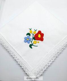 Hímzett keszkenő, virág