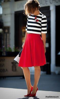 Красная юбка: как сочетать + фото примеры