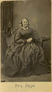"""Fru Pape"" (Mrs Pape), Sweden, 1860's. Bohusläns Museum, nr. UMFA53226:1244"